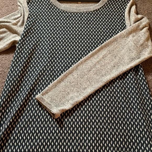 NWOT Le Lis mixed material sweater Medium